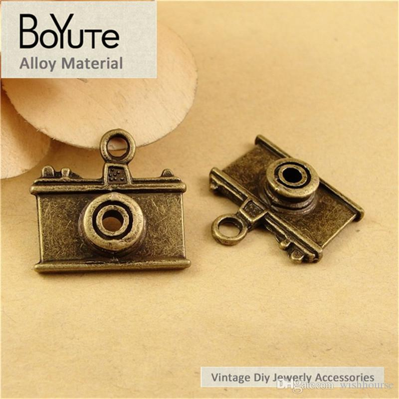 BoYuTe  21*23MM Antique Bronze Plated Zinc Alloy Camera Charms for Jewelry Findings Components Diy Necklace Accessories