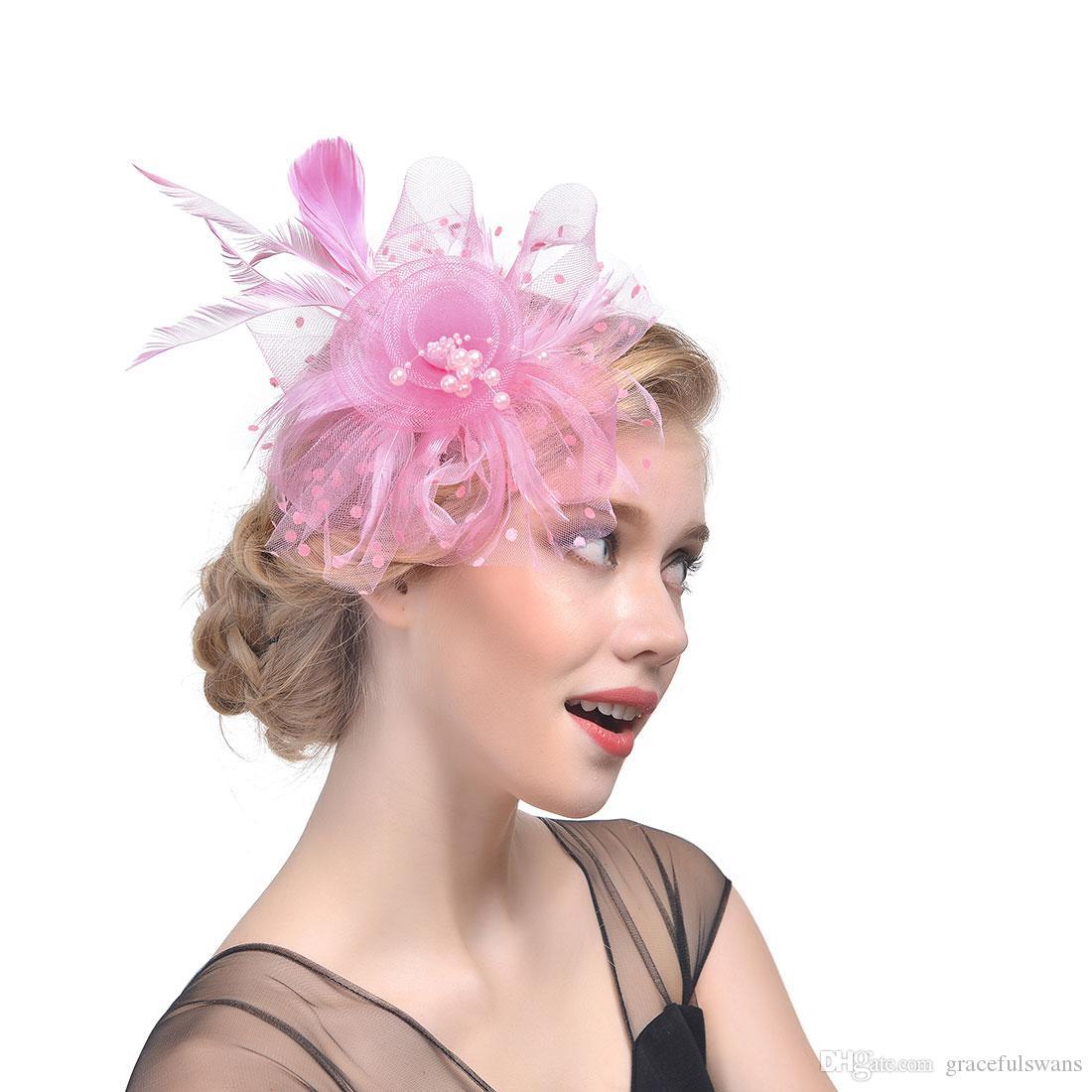 f8657d557d14c Compre Plumas Tulle Perlas Accesorios Para El Cabello De La Boda Sombreros  De Novia Flora Elegante Sombreros De Fiesta De Las Mujeres Sombreros De Boda  A ...