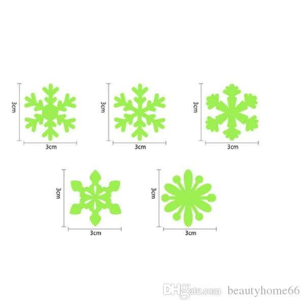 Luminous Wall Sticker Snowflake Glow In The Dark Decal for Kids Baby Rooms Christmas Decor Fluorescent Stickers