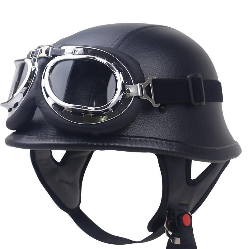 Compre DOT Couro Preto Alemão Motocicleta Meia Face Capacete Biker Pilot  Óculos Adulto Capacete De Moto De Carbonfiber Artwork Com Óculos De Proteção  De ... 6cc51a75e9