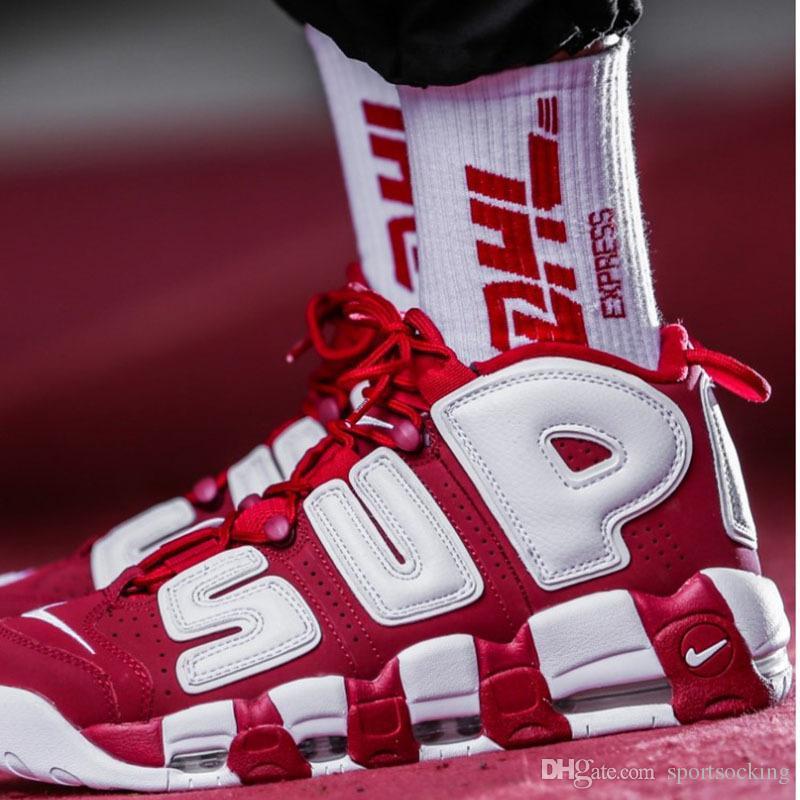 Le calze stampate lettera gialla di DHL la moda unisex Hip-Hop Skateboard calzini Sport all'aria aperta Calze di cotone Calzino Pantofole