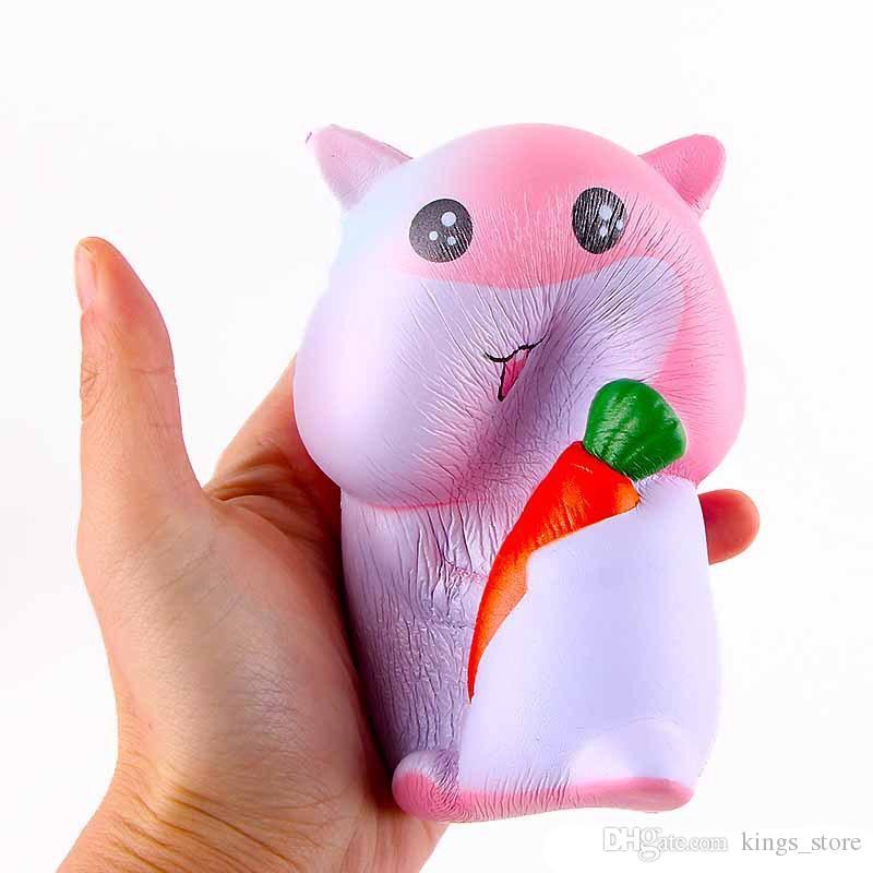 squishy animaux 4.7 pouces hamster avec des carottes squeeze décompression Kawaii Cartoon Cute Jumbo jouets