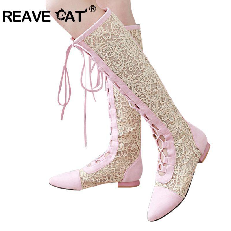 0964199a4e3021 Acheter REAVE CAT Mode Femmes Bottes D'été Bottes Sexy Dentelle Croix  Cravate Botte Genou Haut Talons Plat Pointu Chaussures Femmes Botas Mujer  A393 De ...