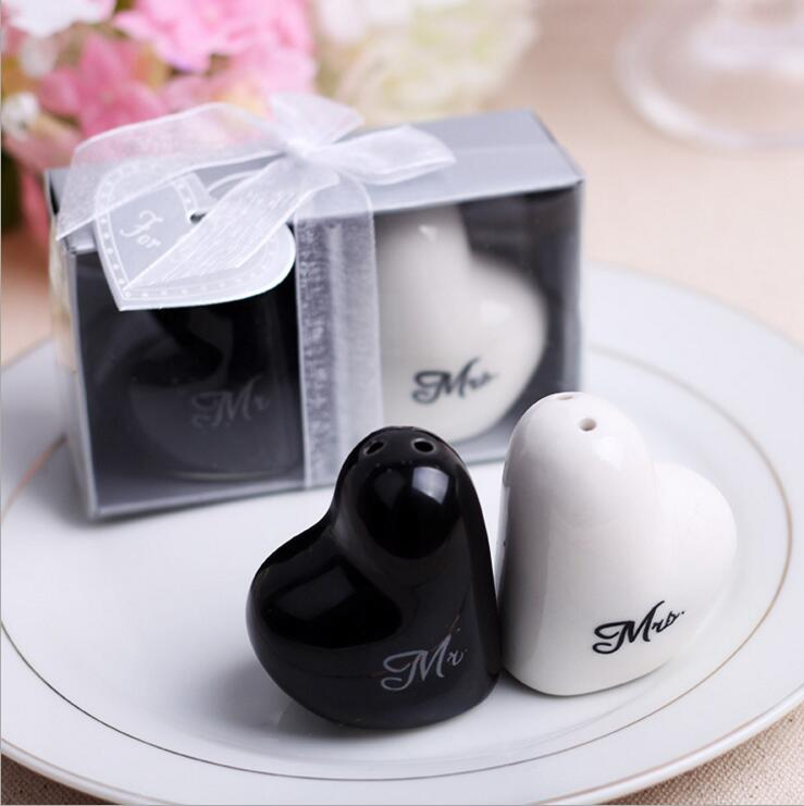 Hot Heart Shaped Mrmrs Salt And Pepper Shaker Wedding Gifts For