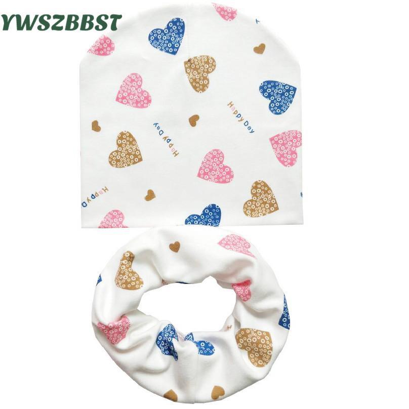 Compre Sombrero Del Bebé Gorras Infantiles Coon Bufanda Beanies Del Bebé  Love Heart Print Primavera Otoño Sombrero De Los Niños Sombrero Set Niñas  Sombreros ... b7eceb44e9e