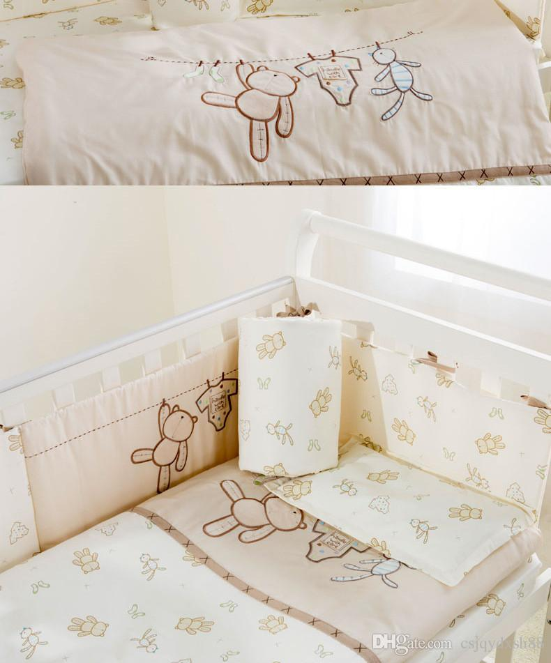 Embroidery cartoon bear Baby bedding set 100% cotton white Crib bedding set quilt pillow bumper bed sheet 5 item Cot bedding set