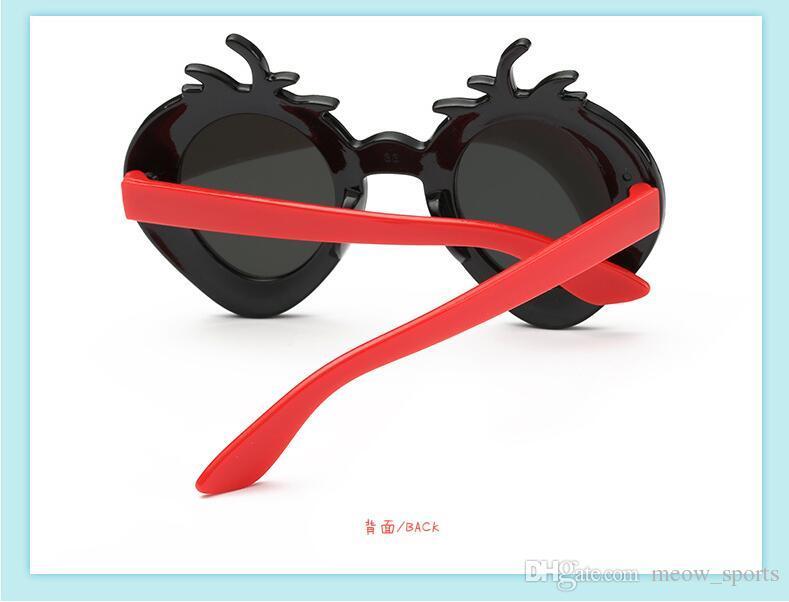 Fruta linda Fresa Niños Gafas de sol Niños Niños Niñas Espejo dorado Gafas de sol Bebé Verano UV400 Óvalo Oculos De Sol