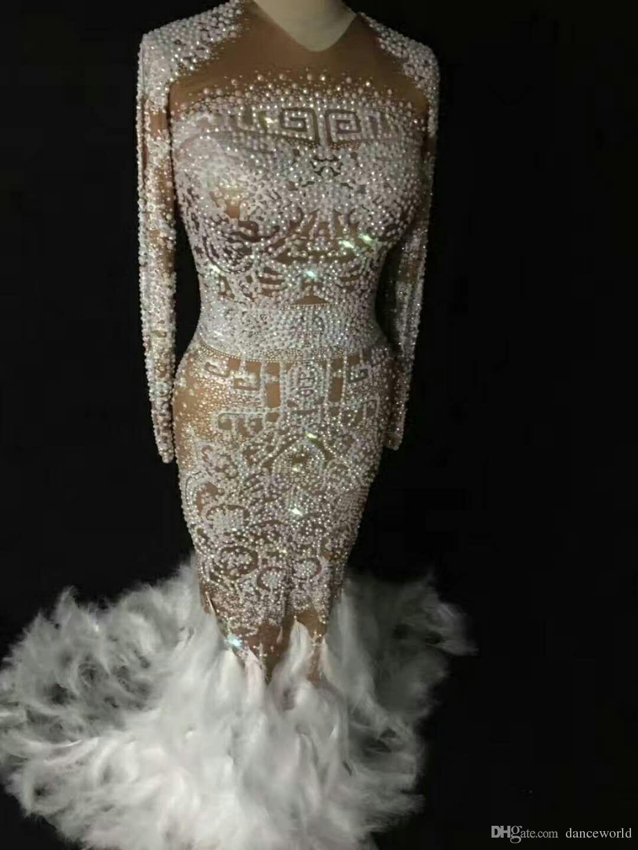 DJ Songbird Strass luccicanti Piuma vestito nudo Vestito da discoteca sexy Pietre piene Abito lungo grande coda Costume Prom Compleanno Festeggia abiti