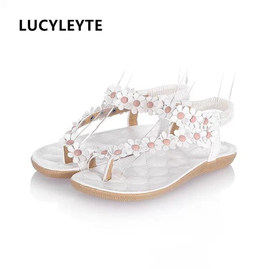 796775f91051e 2018 Summer New Flat With Female Sandals Clip Feet Toe Broken Flowers Flat  Shoes Korean Foreign Trade Women Sandals White Wedges Cheap Shoes For Women  From ...