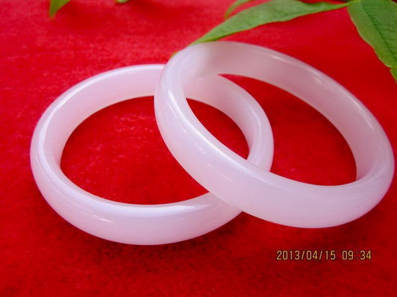 Wholesale Chinese Beautiful Pink Jade Bangles Inside diameter:about 5.80CM-6.20CM