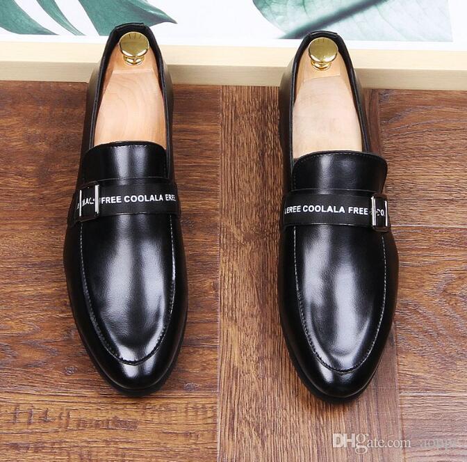 ebbd3351ed Compre 2018 Homem Ponto Toe Vestido Sapato Calçados Casuais Preto Rebite  Carta Designer Italiano Mens Vestido Sapatos Luxo Loafers Para O Sexo  Masculino 689 ...