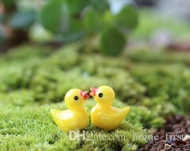 Mini Cartoon Animal White/Yellow Duck Toys Pendant Moss Micro Landscape Resin Handicraft Gardening Decoration Ornaments Jewelry