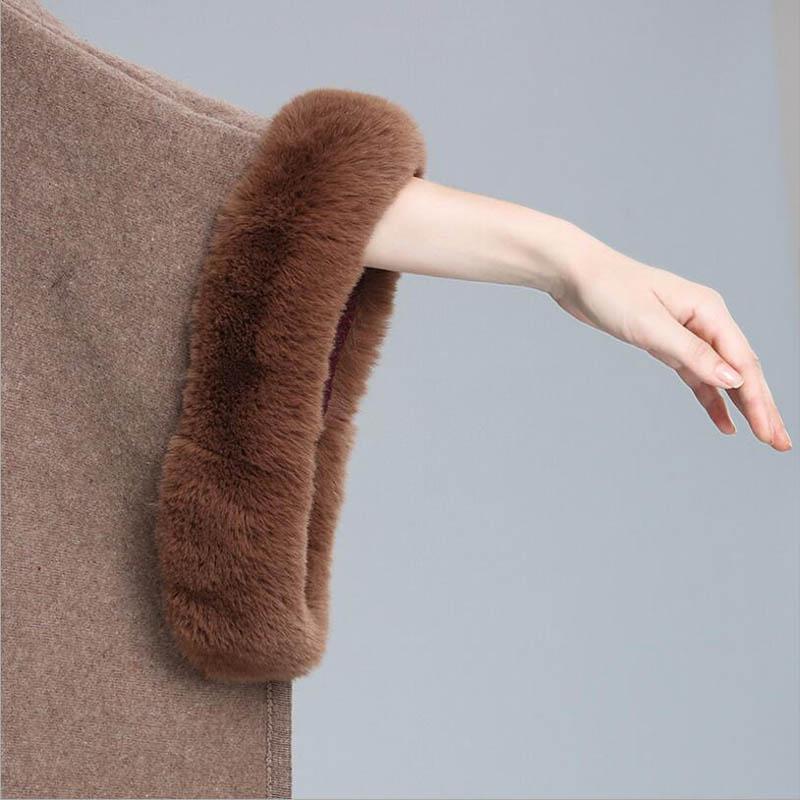 Top grade Donna Scialle di lusso Poncho con cappuccio in pelliccia sintetica