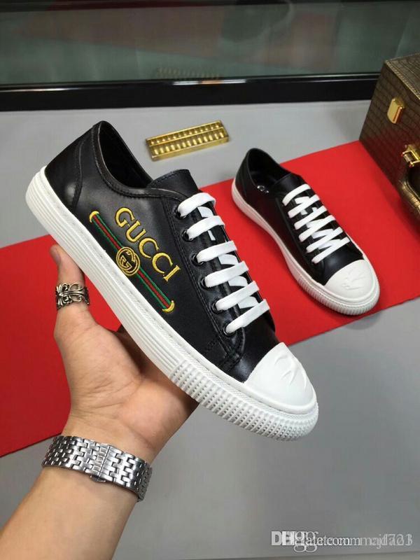 Acquista New Luxury Brand Di Alta Qualità Mens Scarpe Da Corsa Da Uomo Lace  Up Scarpe Casual Moda Sneakers Da Uomo Famose Scarpe Casual Scarpe Da  Ginnastica ... cebb2dce2a5