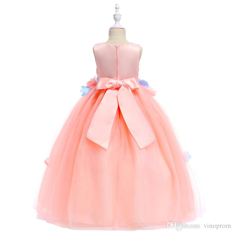 2018 sfera Cute Pink abito ragazze di fiore abiti Sheer gioiello collo lavorati a mano Fiori maniche telaio dell'arco economici ragazze vestito da spettacolo