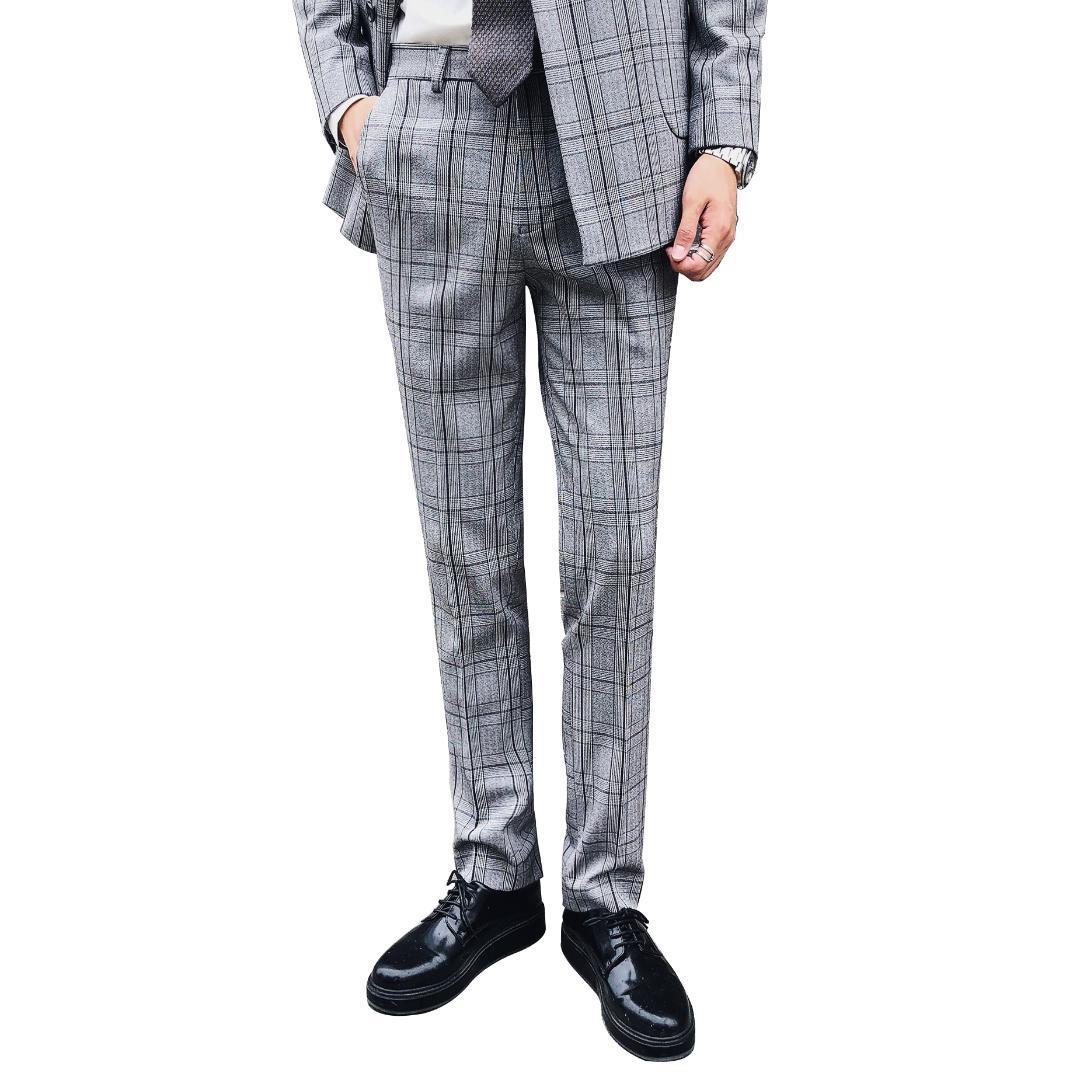 Compre Pantalones De Traje De Rayas A Cuadros De Los Hombres De Otoño Gris Pantalones  De Vestir De Los Hombres De Banquete De Bodas Elegante Delgado De Gama ... 0b0fe2d212f8