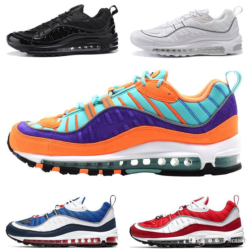 the best attitude b5b95 6ecb4 Acquista Nike Air Max 98 Running Shoes For Men Cone Gundam Triple Nero  Bianco UK Racer Blu Rosso Run Casual 98s Sport Trainer Designer Sneaker  Taglia 40 46 ...