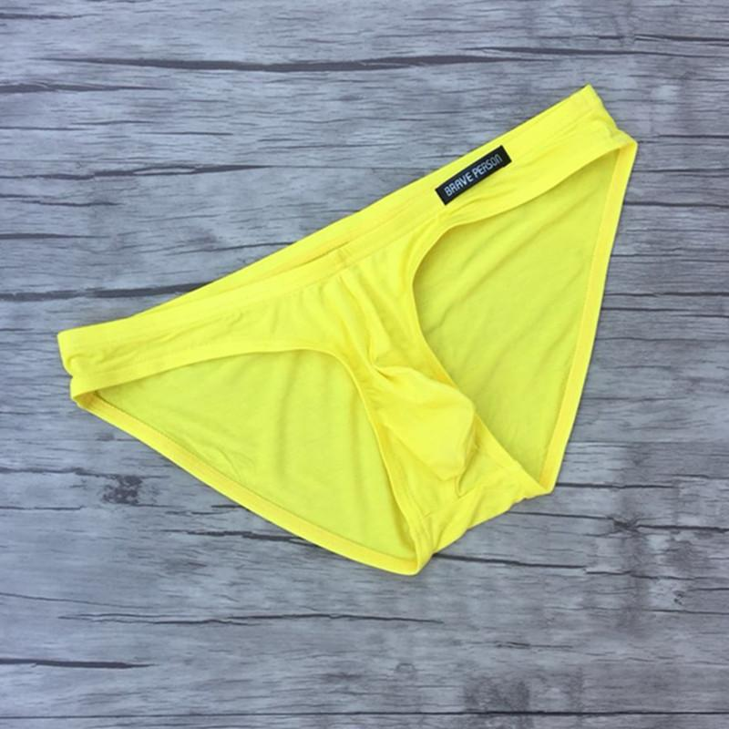 Mens atractivos del bikini modal escritos masculino trigonométrico de las bragas para hombre escritos de los hombres la ropa interior de la bolsa del bombeo youngth Underpanties niño