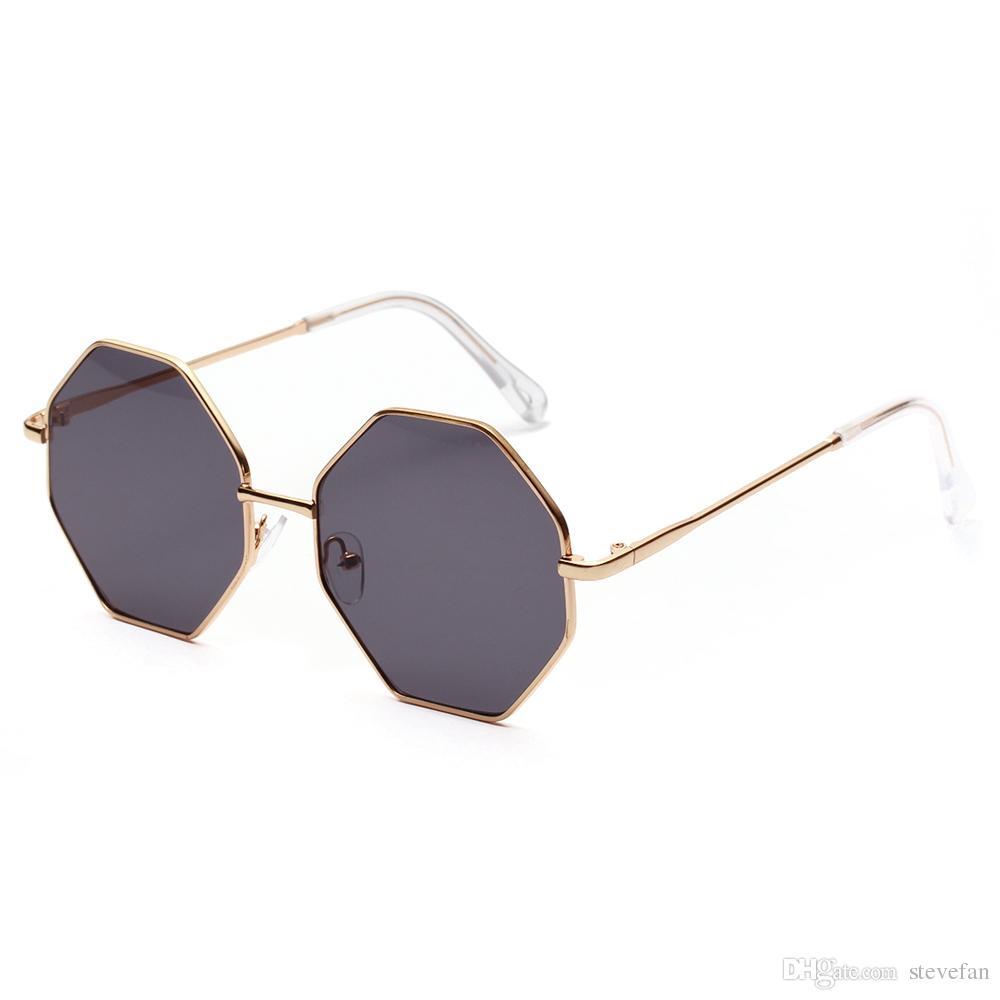 Compre Big Vintage Polígono Gafas De Sol Mujer 2019 Octágono Tintado Gafas  De Sol Claras Para Mujeres Hombres Marco Metálico Uv400 A  6.6 Del Stevefan  ... f6cbca712f1e