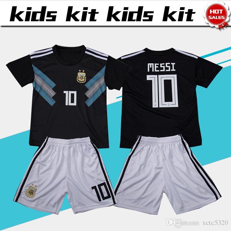 547dbf4c3f 2018 copa do mundo Argentina futebol Jersey Kids Kit 2018 Argentina longe  preto Camisas De Futebol MESSI Criança Camisas De Futebol uniforme jersey +  shorts