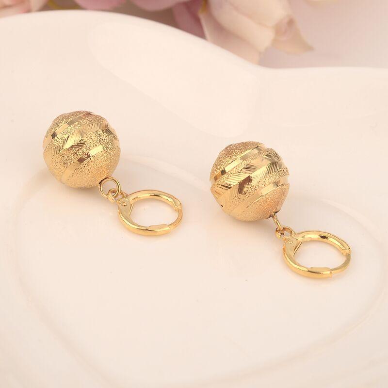 Collana con ciondolo a sfera ciondolo Orecchini a catena con catena Set di gioielli in oro massiccio 24 k con collane di perle in oro giallo donna
