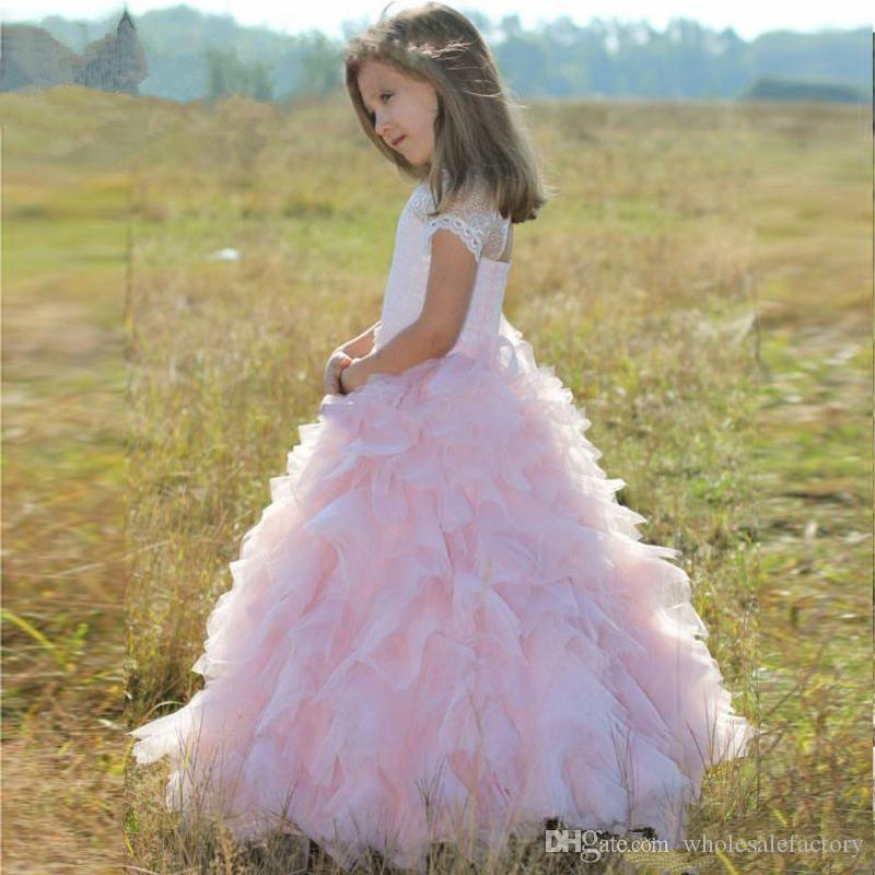 Leuke roze tule gelaagde ruches een lijn bloem meisjes jurken korte mouwen kant prinses bruiloft jurken voor kinderen mooie meisjes jurken