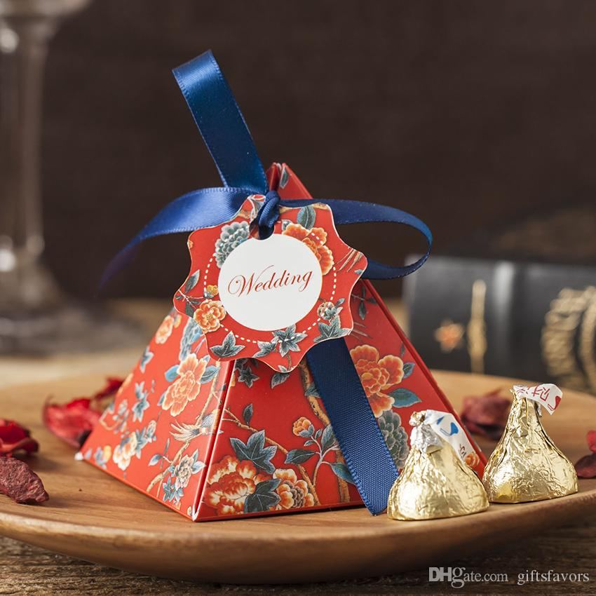 Personalized Paper wedding candy favor boxes pyramid wholesale bridal shower birthday party favors gifts