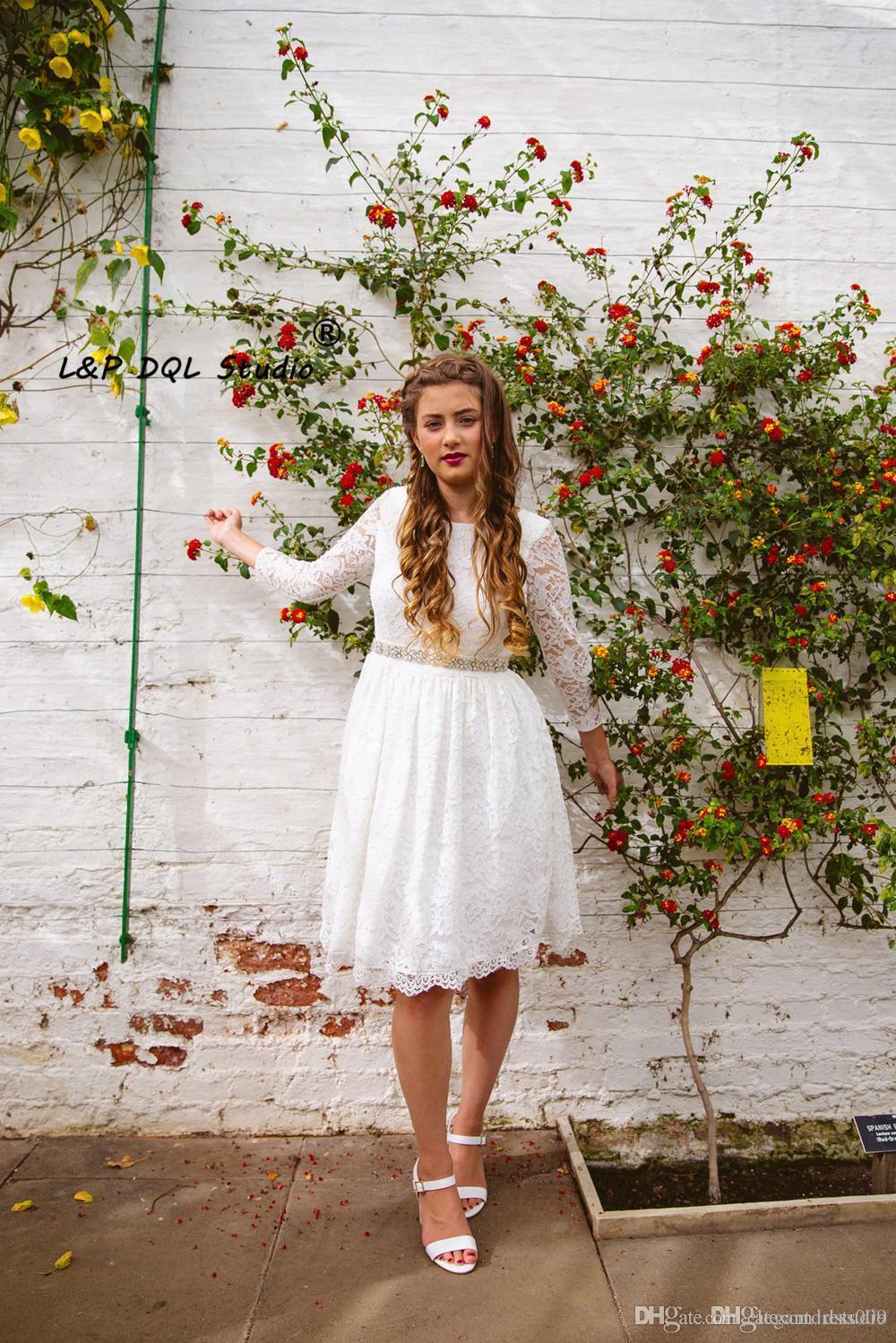 2018 Bohemio Barato Vestidos de novia de encaje completo Cuello de joya Mangas largas Fajas moldeadas Mini vestidos de novia Vestido de novia Boho