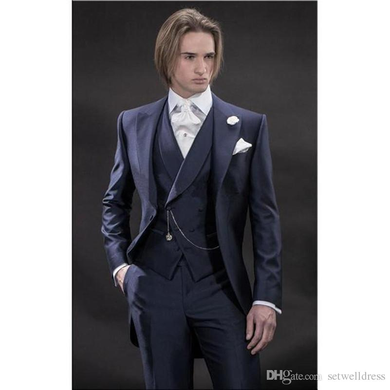 New Navy Blue Groom Tuxedos Cheap Groomsmen Tailcoat One Button Best Man Suit Peak Lapel Wedding Mens Suits Custom Made Jacket+Pants+Vest