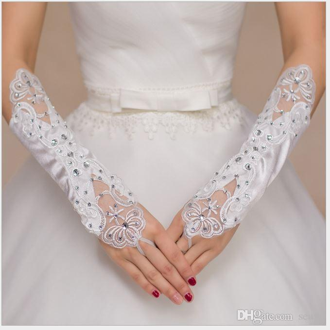 Gelinin yeni düğün eldiven, beyaz uzun ve güzel takılı parlak Elmas Saten Eldiven, toptan sonbahar ve kış para