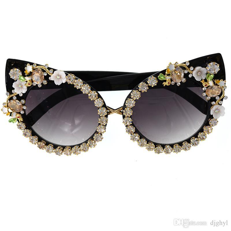 Vintage Cat Eye Baroque Style Gafas de sol 2018 New Women Fashion Personality Style Crystal Nuevo Diseñador de la marca Retro Sun Gafas