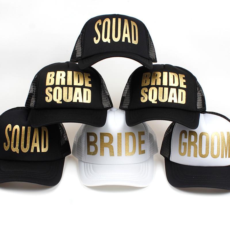 208453dead2f NOVIA SQUAD GROOM Estampado de oro Bachelorette Sombreros de malla Mujeres  Boda Preparewear Gorras de camionero Gorra de béisbol de neón blanca ...