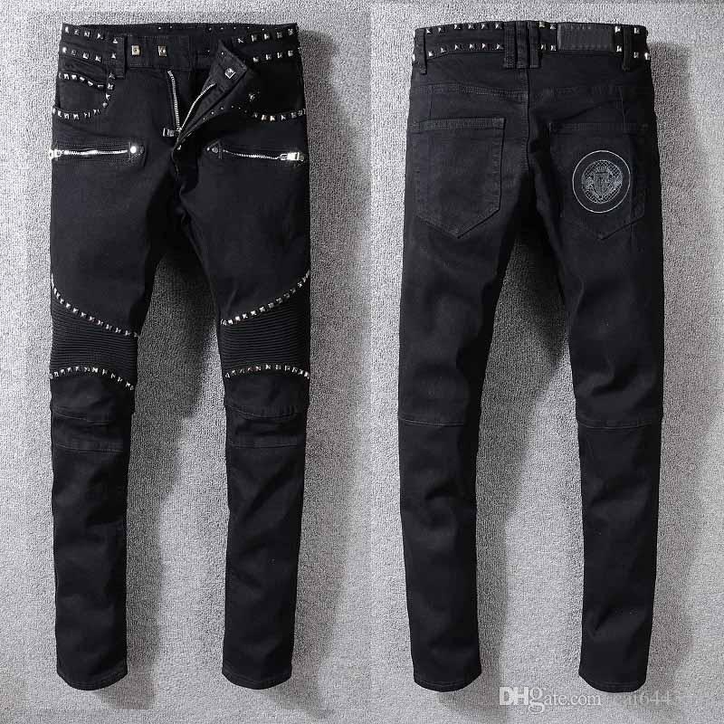 Acquista Biker Jeans Uomo Jeans Strappati Strappati Uomo Hip Hop Fori  Sottili Punk Denim Moto Uomo Skinny Fashion Wrinkle In Knee Jeans Pants    1516 A ... 772692b0d814