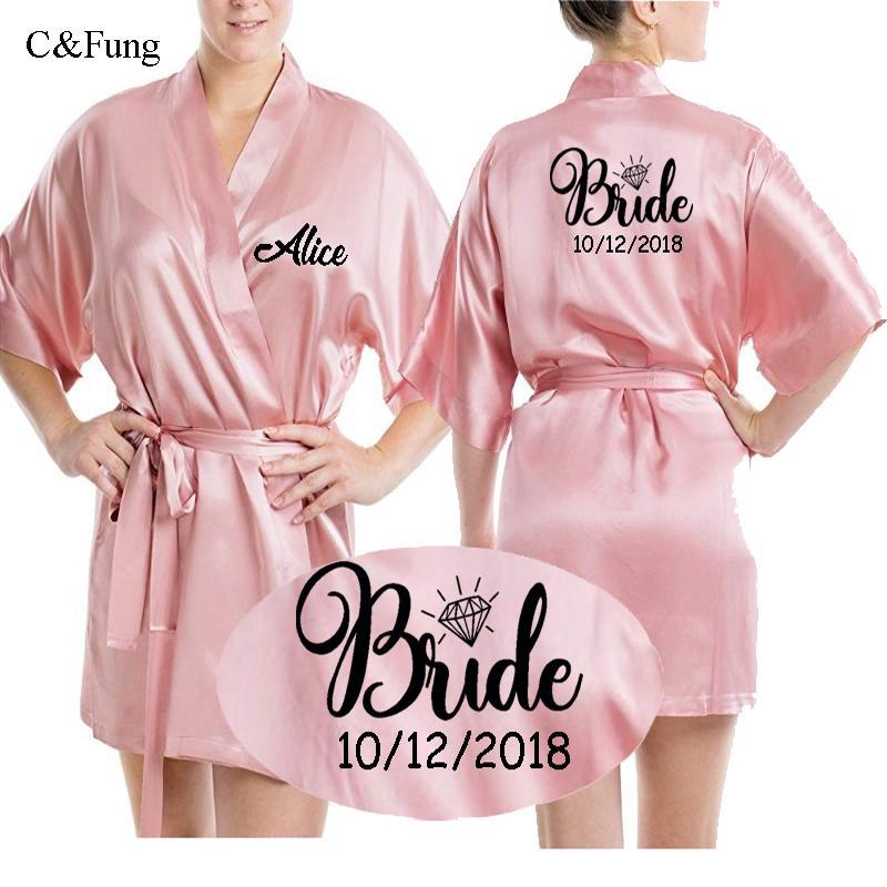 8f57b34a8f0d0e Cfung personalizado cetim de seda noiva robe mulheres data do casamento  personalizado peignoir dama de honra melhor presente nupcial rosa roupões  de ...