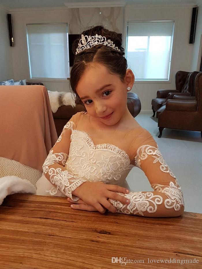 Beauty Lace Applique Ball Gown Flower Girls Dresses With Bow Sash Long Sleeves Children Wedding Dress Girls Pageant Gown 2018