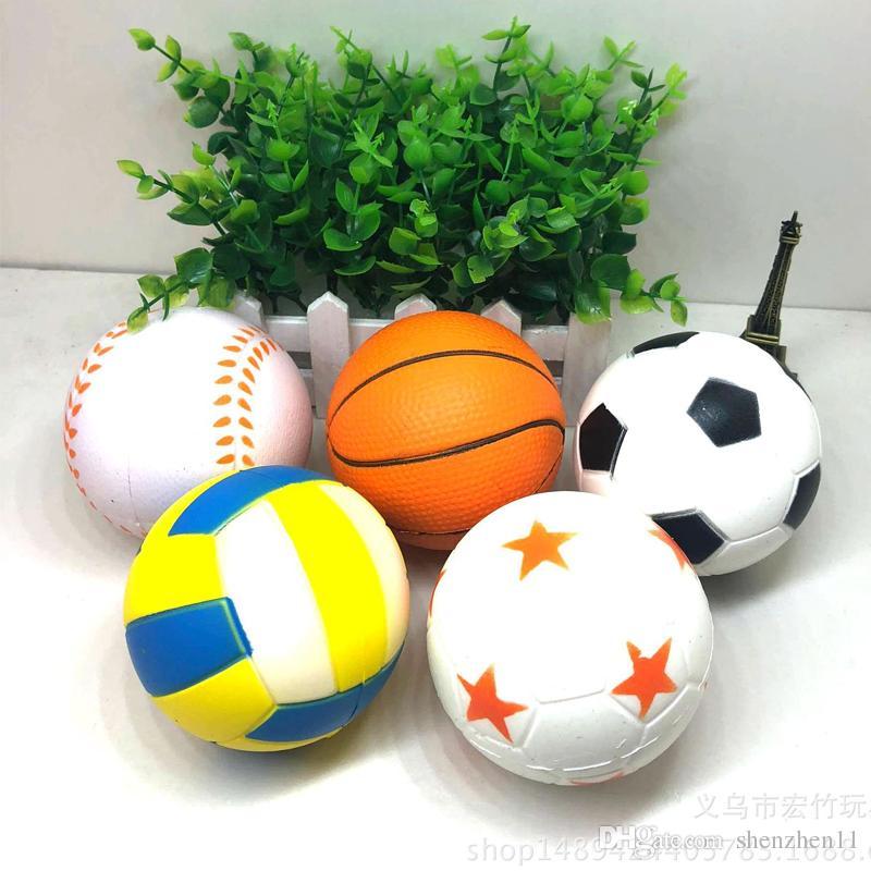 2018 Futbol Futbol Squishy Oyuncaklar Beyzbol Basketbol Voleybol Yavaş Yükselen Jumbo Sıkmak Telefonu Charms Krem Ekmek Stres OTH641