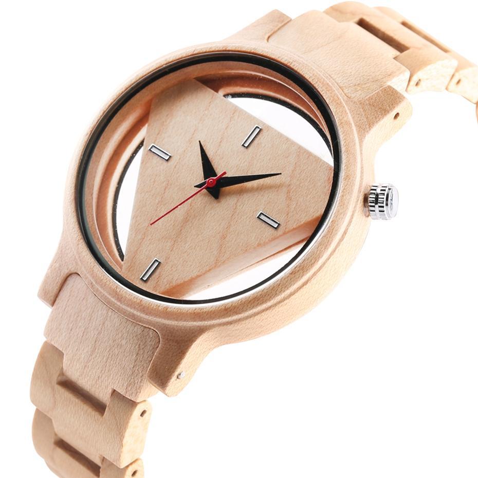 0cb9cc2cc53 Compre Relógios De Madeira Homens Criativo Oco Triângulo Simples De Bambu  De Madeira Pulso Rodada Mostrador Do Relógio De Quartzo Relógio Analógico  Presente ...