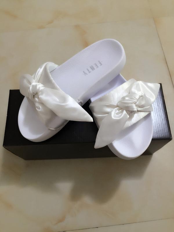 2018 Fashion Designed Rihanna Fenty Bandana Slide Indoor Slippers Newest  Style Women White Bowtie Slide Sandals Anti-skid Shoes 36-40