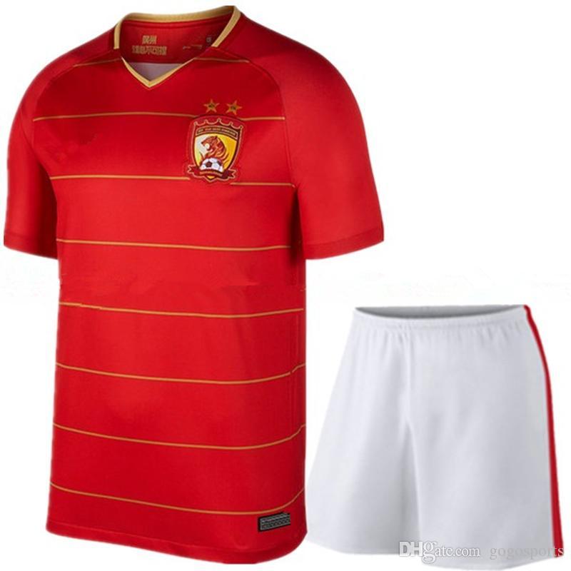 956ea0dd3 Compre Qualidade Tailandesa 2018 Guangzhou Evergrande Casa Camisas De  Futebol Dos Homens De Futebol Camisa Shorts Terno Plus Size S 4XL Alan  Goulart ...