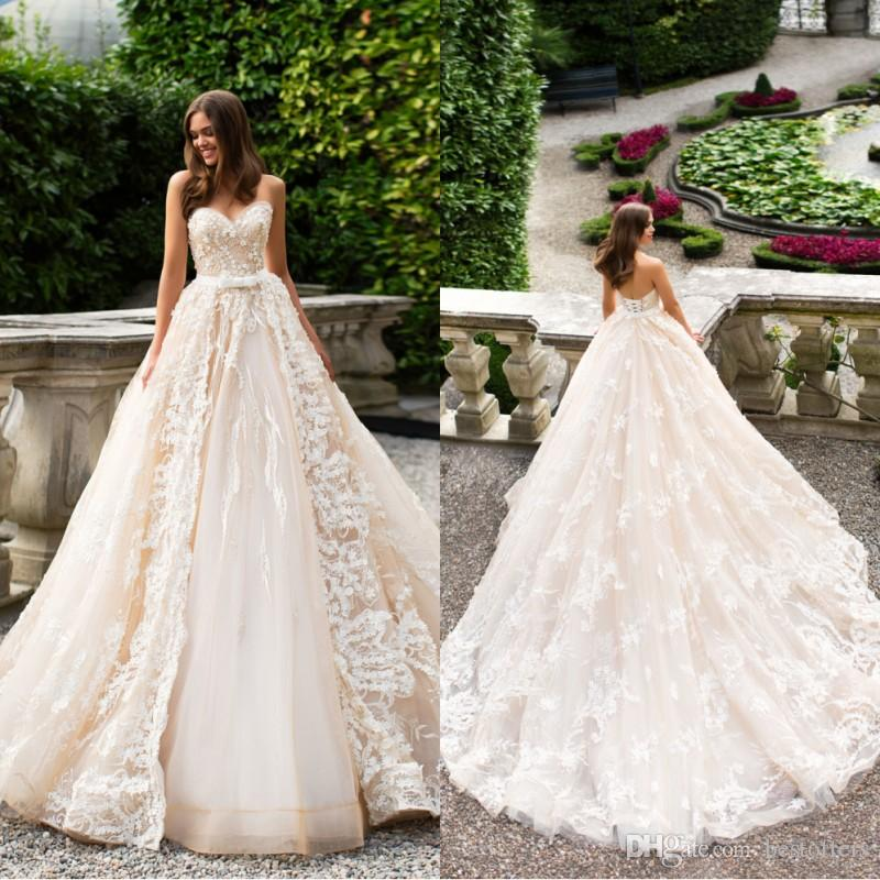 Discount Gothic Lace Wedding Dresses 2019 Plus Size A Line: Discount 2019 Champagne Strapless A Line Full Lace