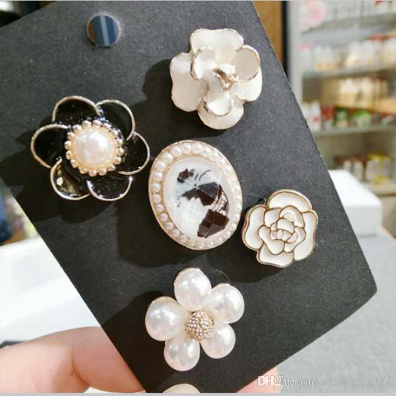 df73601cb 2019 Korea Fashion Crystal Pearl Enamel Camellia Flower Badge Brooch Set  Women Suit Lapel Pins Scarf Clips Jewelry Accessories From Wj2769368124, ...