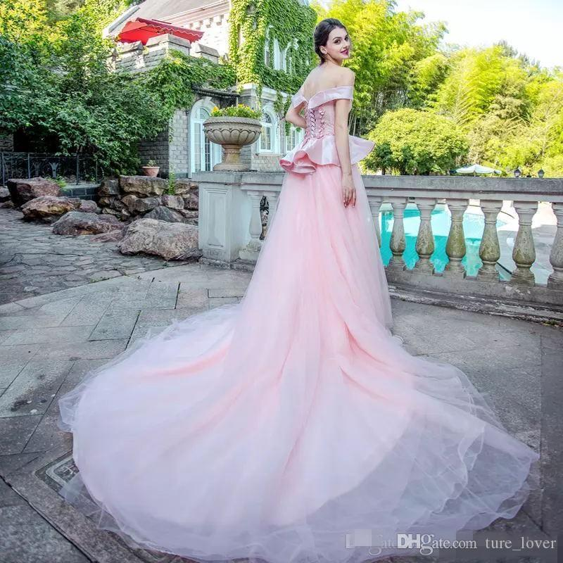 Rosa claro vestidos de noche del hombro manga corta de los vestidos de la alfombra roja Volver con cordones de barrer de tren por encargo de la fiesta Vestidos formales de Peplum