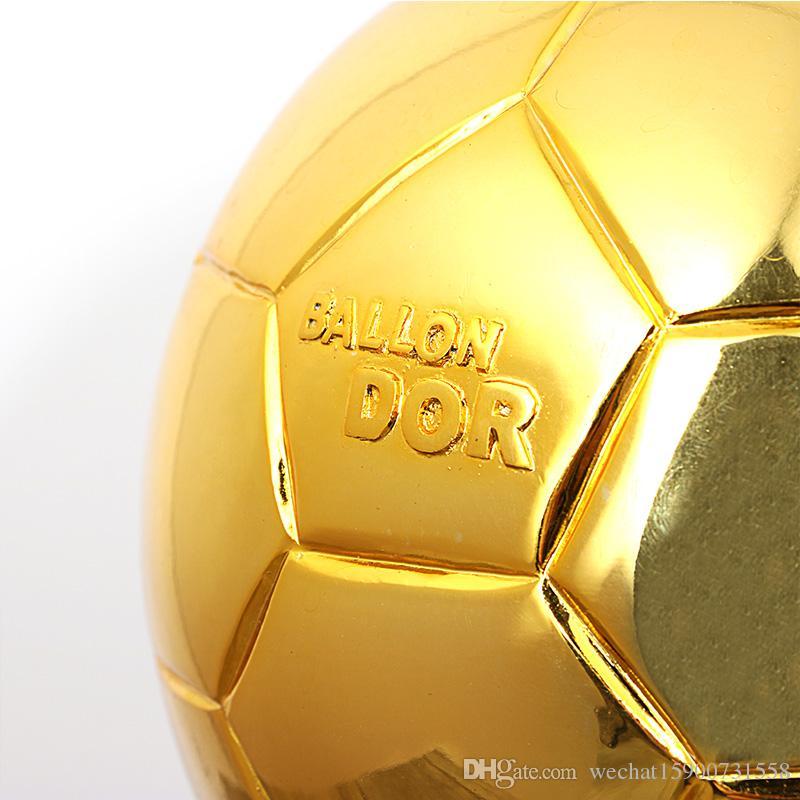 Il mondo dei globi d'oro giocatore del mondo dell'anno memorabilia i regali dei fan dei trofei Lionel messi.