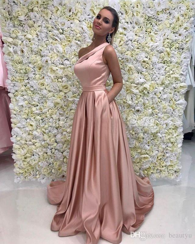 Vestido largo largo dorado rosa 2018 Elegante Un hombro Sin mangas Una línea Longitud del piso Vestidos de noche de satén Vestido formal con bolsillos