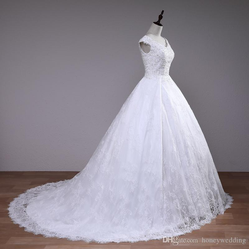 Luxury Wedding Dresses Cap Sleeves Lace Sequins Beaded Ball Gown Wedding Gowns Lace Up Back Sweep Train Bridal Dress