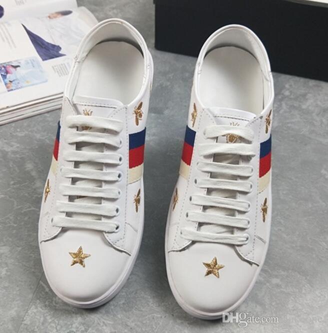 1161ad5e48859 Compre Hot Name Diseñador De Marca Zapatillas Con Cordones Zapatos  Corrientes Elegantes Italia Calle Cuero Genuino Abeja Bordado Hombres Mujeres  Zapatos ...