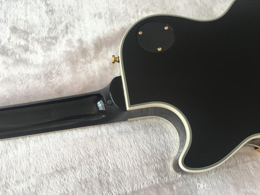 Yüksek kaliteli bu yıl popüler ve çok güzel ve harika stok siyah elektro gitar altın aksesuarlar