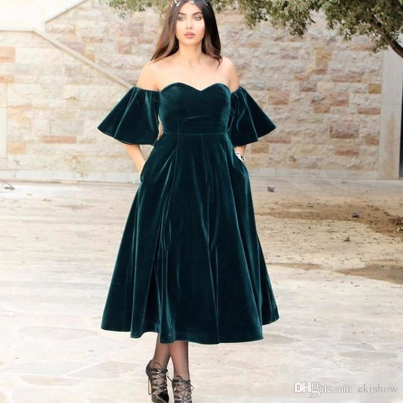 2018 Árabe Verde oscuro Velvet Sweetheart A Line Vestidos de baile Mangas cortas Longitud de té Fuera del hombro Forma Vestido de fiesta por la noche Vestidos Vestidos