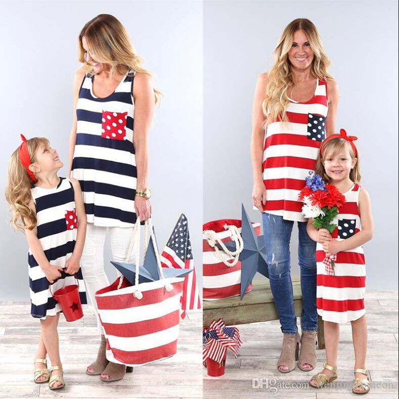 패밀리 매칭 의상 미국 국기 판매 엄마와 딸 드레스 줄무늬 티셔츠 어머니와 소녀의 아동 의류