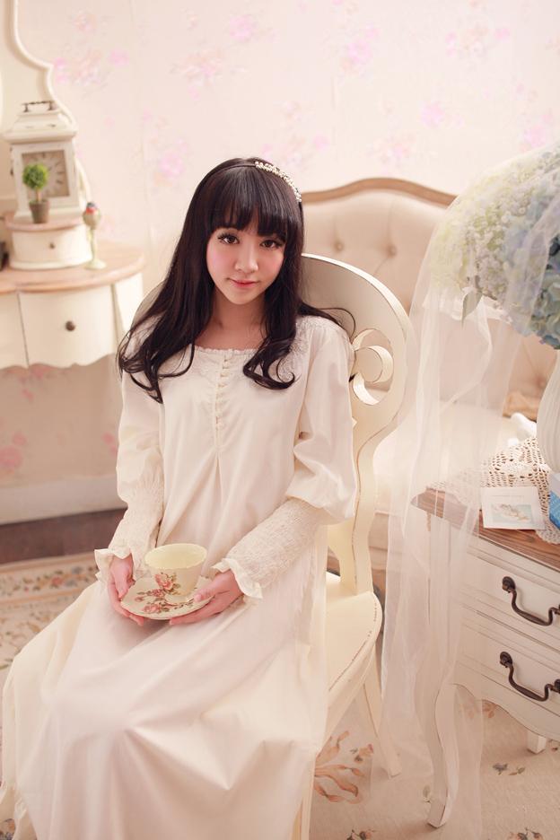 Lange Nachthemden der Mode-Herbstfrauen Rose Knöpfe Dekoration Langarm Nachthemd Nachtwäsche Vintage Prinzessin Pijamas Robes